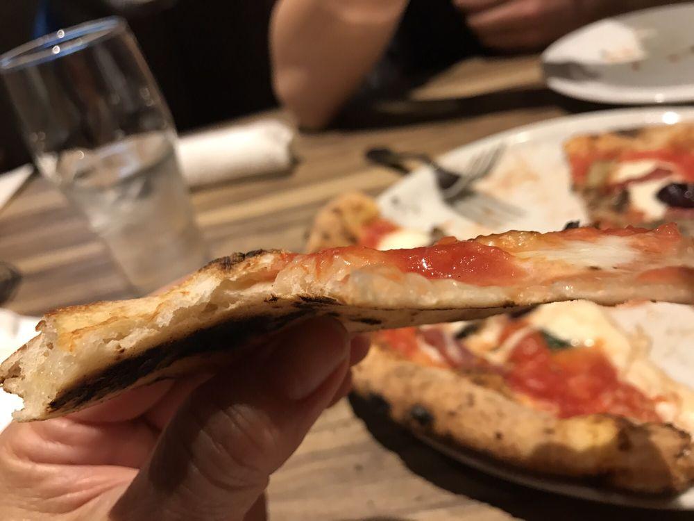 Trattoria Pizzeria & Bar LOGIC Nagano店