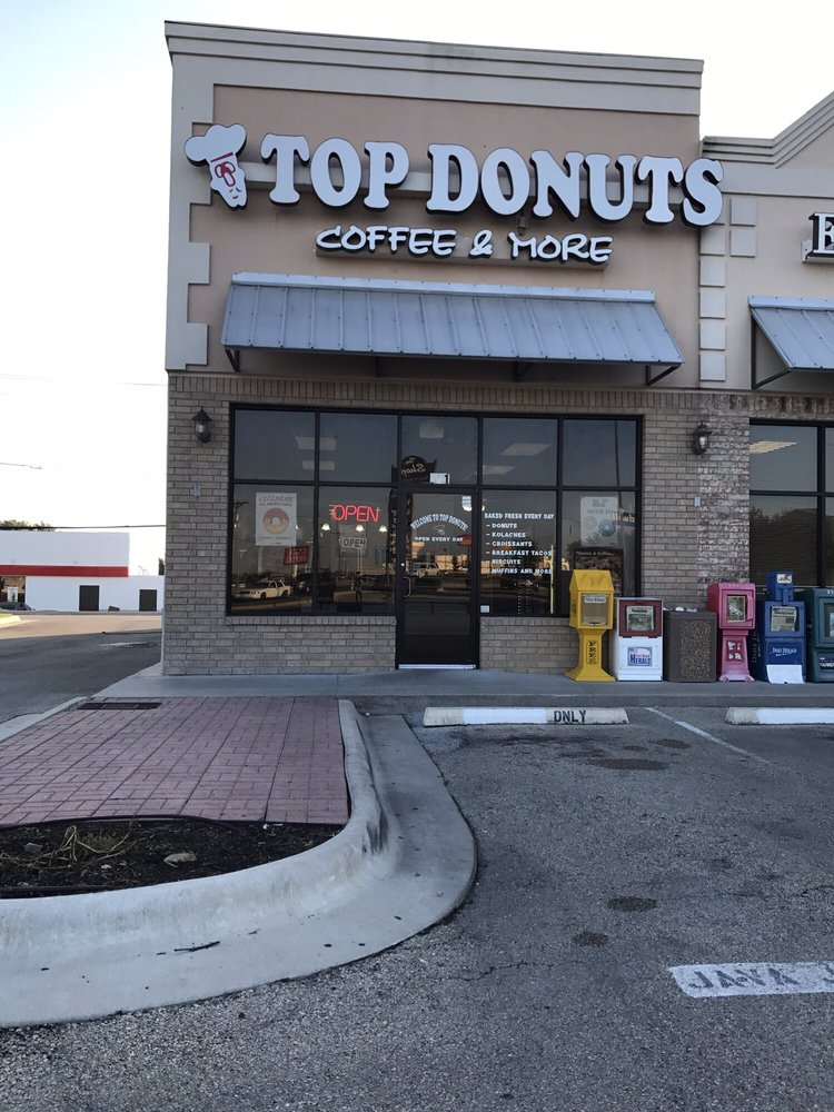 TOP DONUTS: 716 Indian Trl, Harker Heights, TX