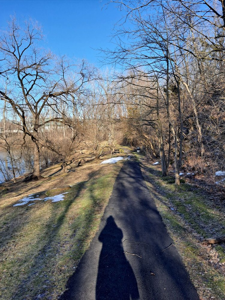Chester Valley Trail - Berwyn: 1055 Westlakes Dr, Berwyn, PA