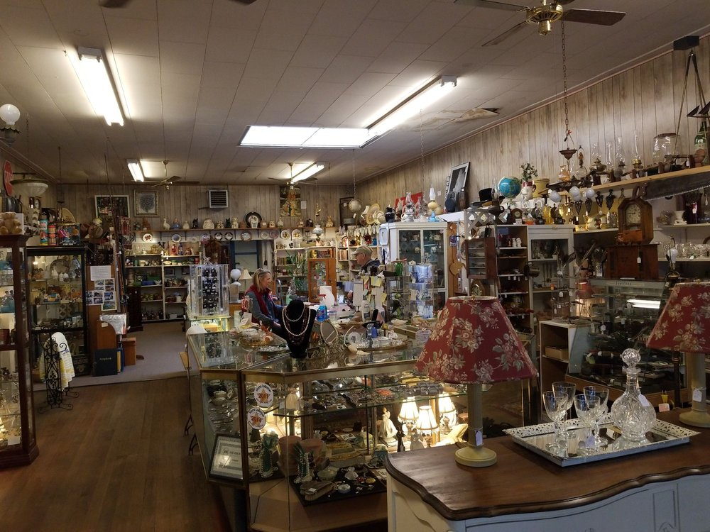 Nellie Lou's Antiques & Fine Things: 1254 S Main St, Angels Camp, CA