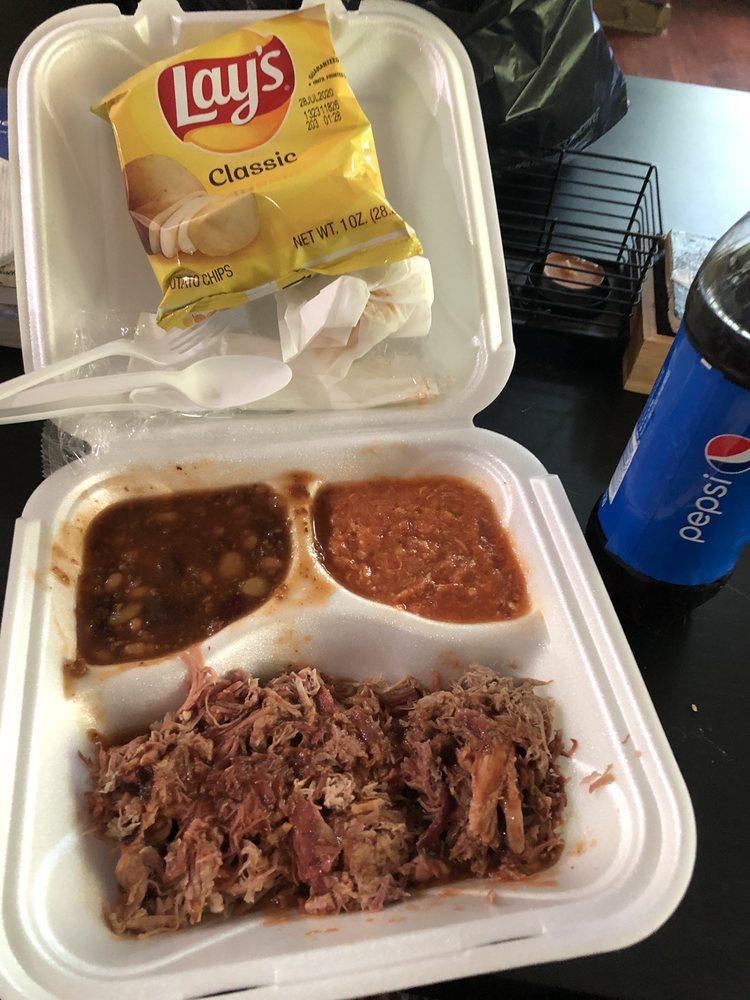 Iron Pig BBQ: 121 Epps St, Jefferson, GA