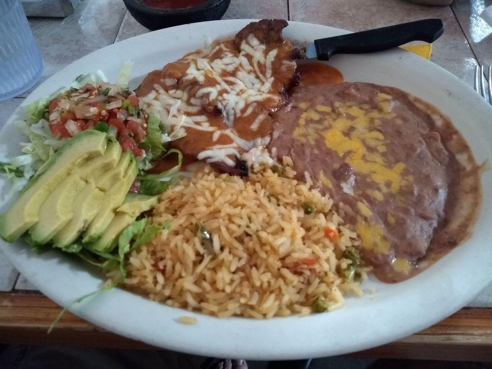 El Jacalito: 102 S Main St, Crandall, TX