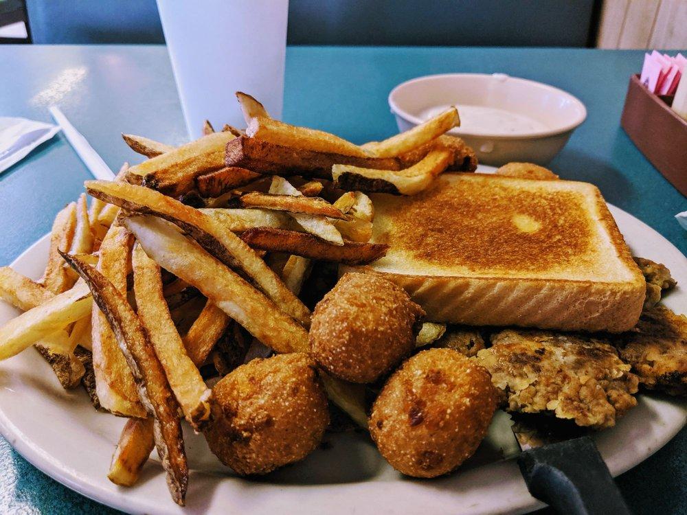 Dougherty Diner: 207 N 3rd St, Davis, OK