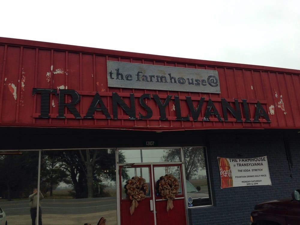 Farm House: 13107 Hwy 65 S, Transylvania, LA