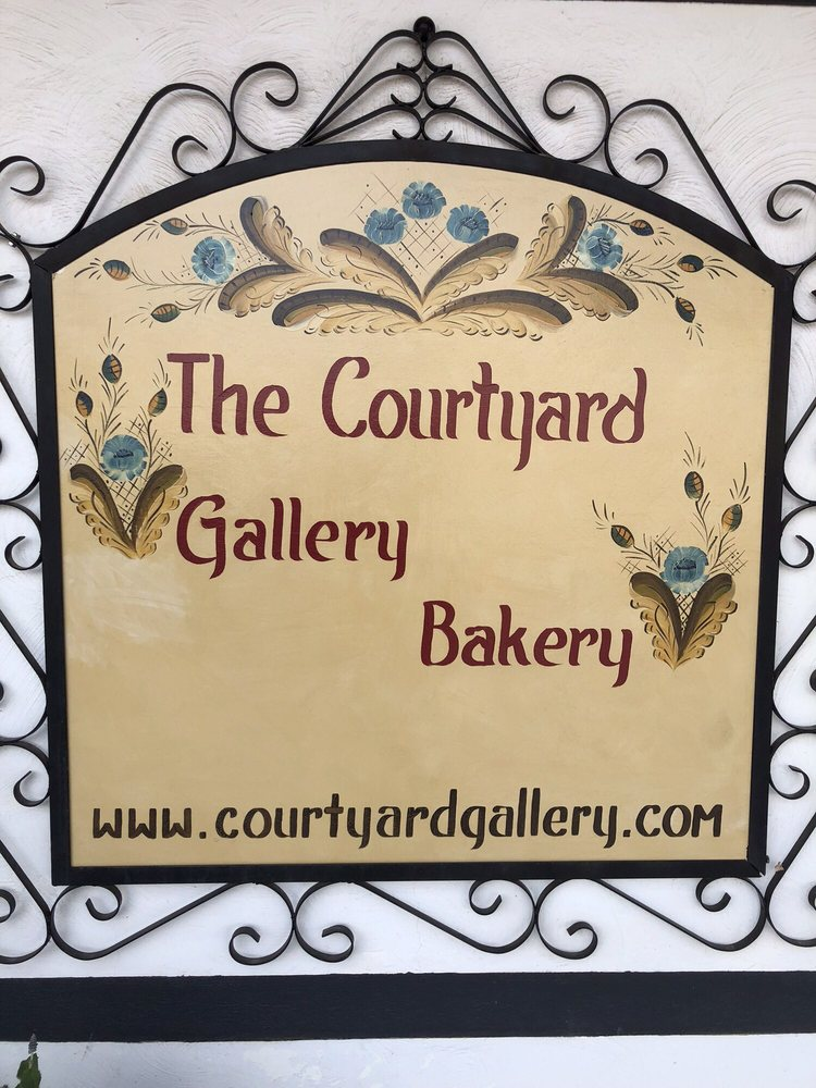 Courtyard Bakery: 125 N Main St, Lindsborg, KS