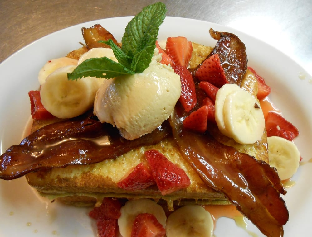 Buster's Main Street Cafe: 811 E Main St, Cottage Grove, OR