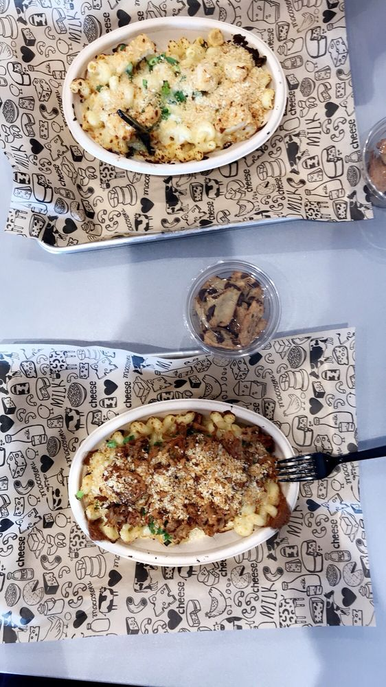 Food from I Heart Mac & Cheese