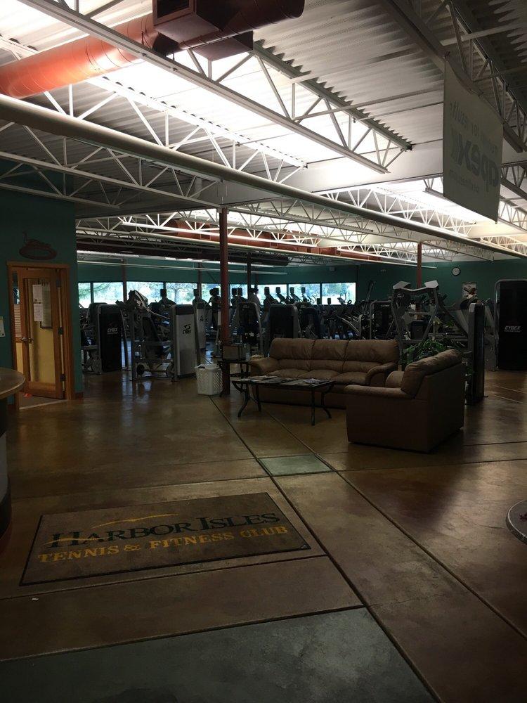 Harbor Isles Tennis & Fitness Club: 2805 Front St, Klamath Falls, OR
