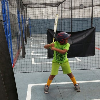 Lebron\'s Indoor Batting Cages - 22 Photos & 12 Reviews - Batting ...