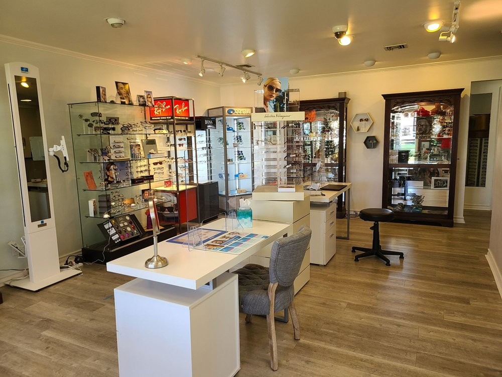The Eyeglass Shop