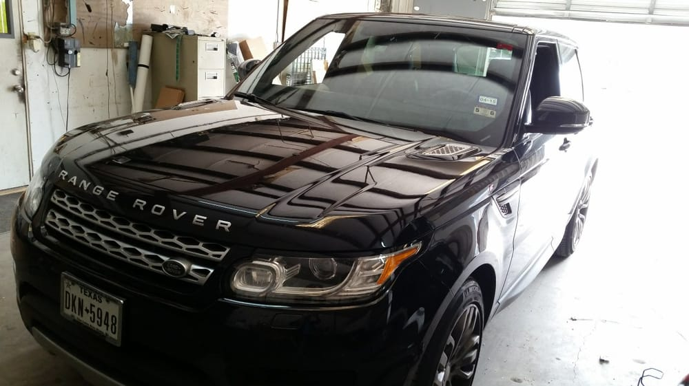 land rover sport windshield glass replaced with rain. Black Bedroom Furniture Sets. Home Design Ideas