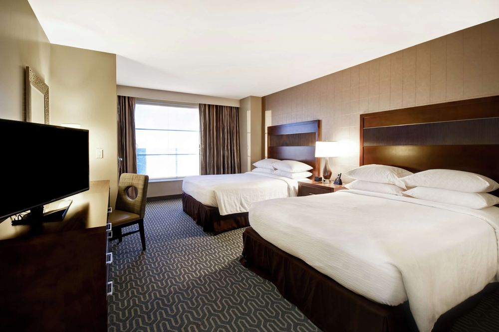 Embassy Suites by Hilton Springfield: 8100 Loisdale Rd, Springfield, VA