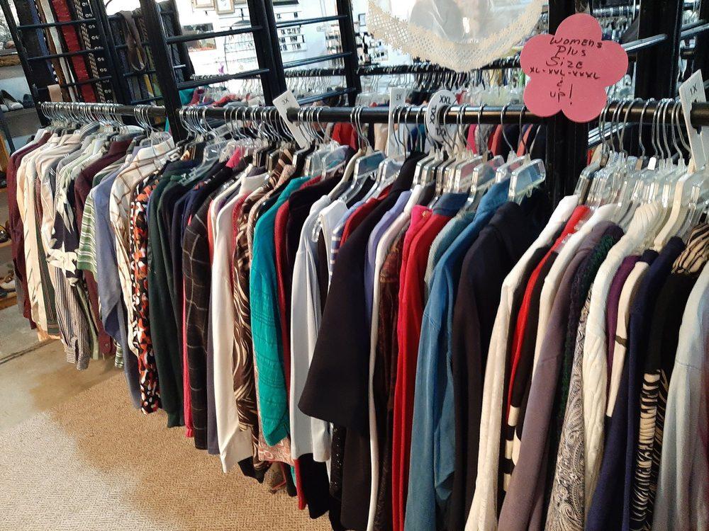 5 A's Thrift Shop: 2600 State St, Alton, IL