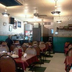 Detroit beach restaurant pizzeria 35 reviews pizza for Cuisine 1300 monroe mi