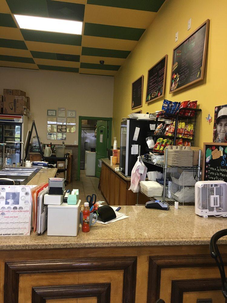 Salad Place: 2546 Central Palm Dr, Rio Grande City, TX