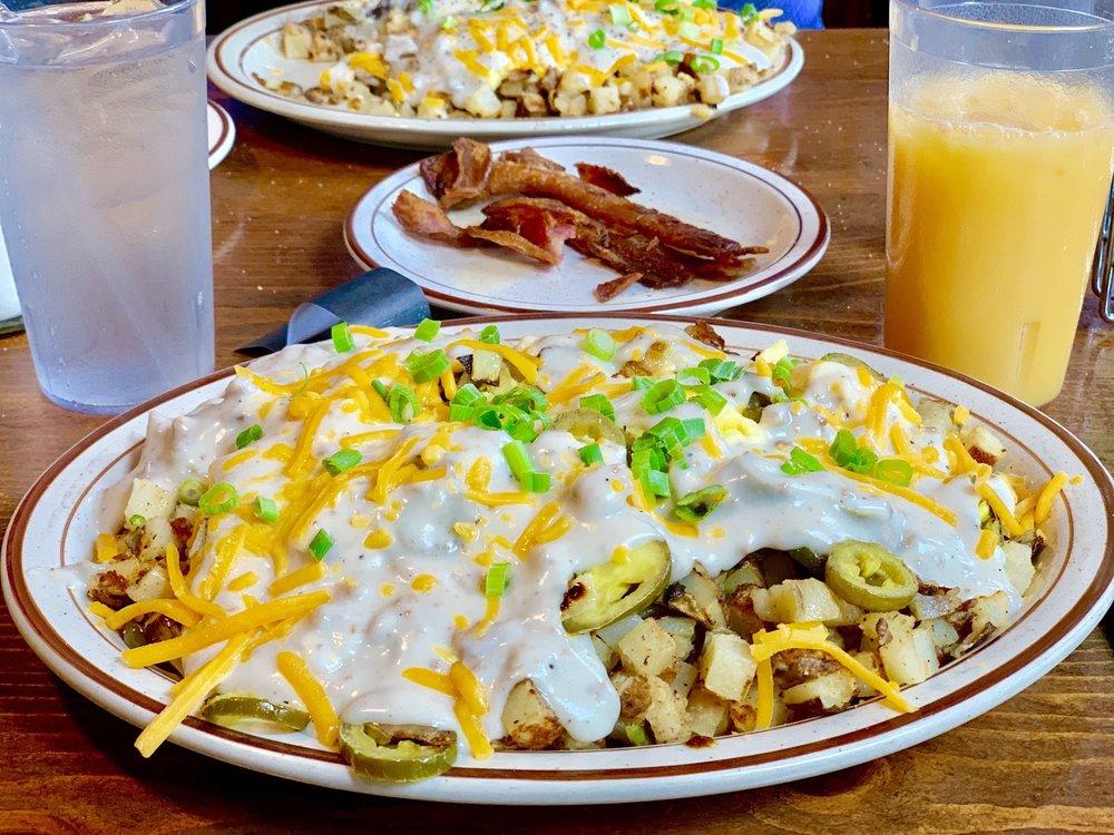Oddfellas Pub & Eatery: 102 W Main St, Auburn, WA