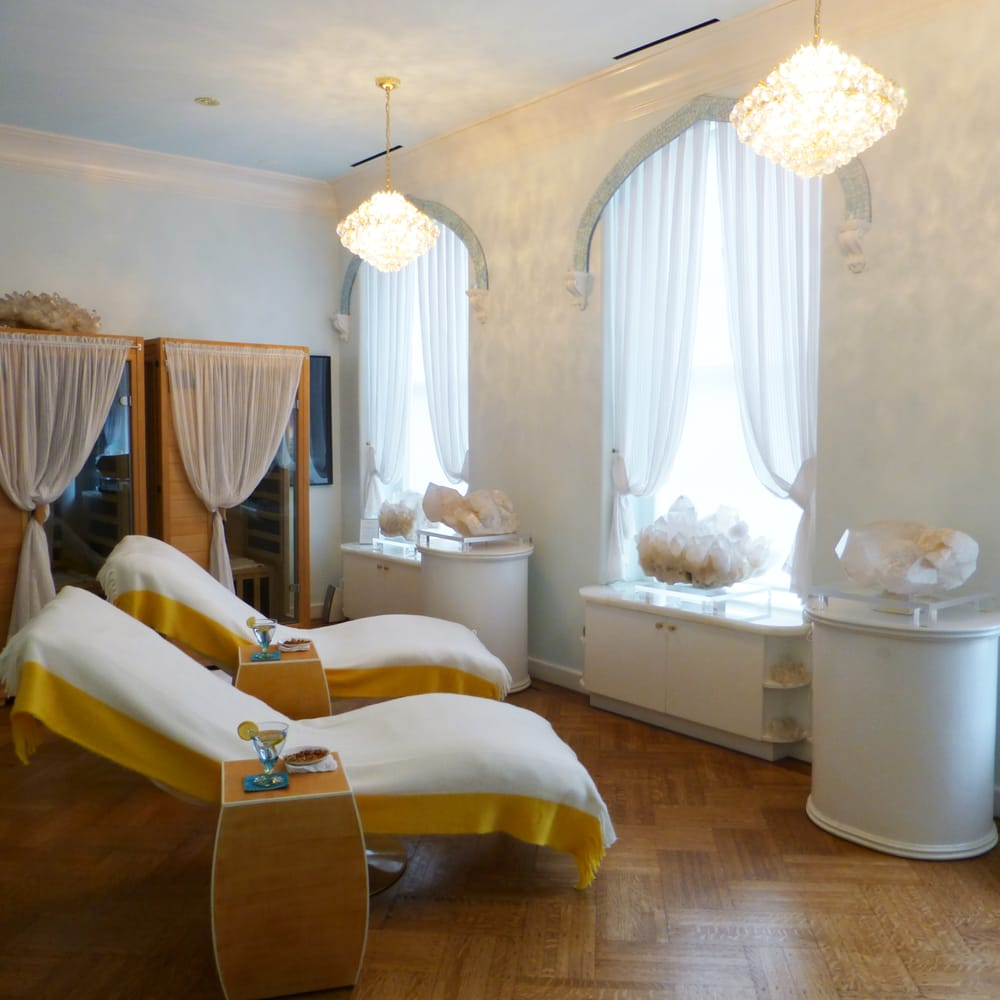 Sphatika skincare spa 28 photos 11 reviews spa for 1662 salon east reviews