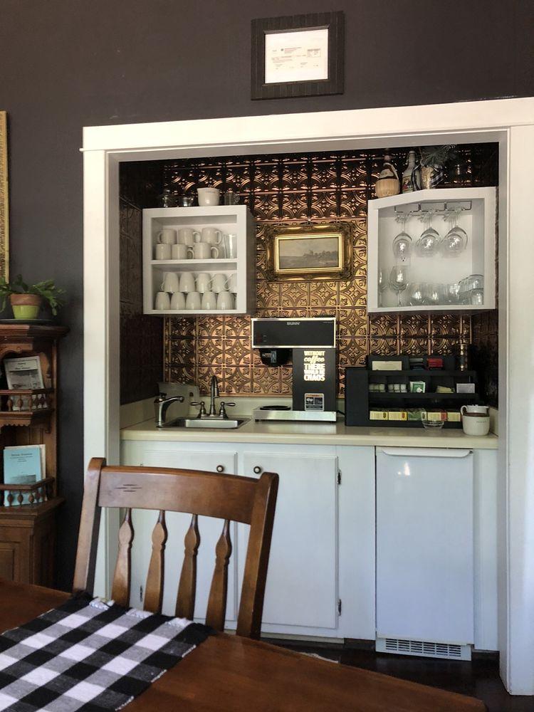 Edwardian Inn: 317 Biscoe St, Helena, AR