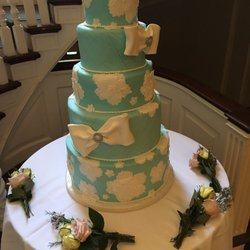 wedding cake delivery time mclean house 2075 av bayview toronto on phone number 22434
