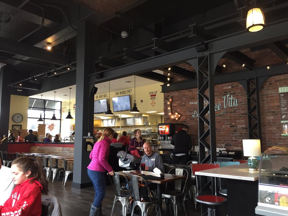 Photo Of Pasquale S Neighborhood Pizzeria Rochester Mn United States Dining Area