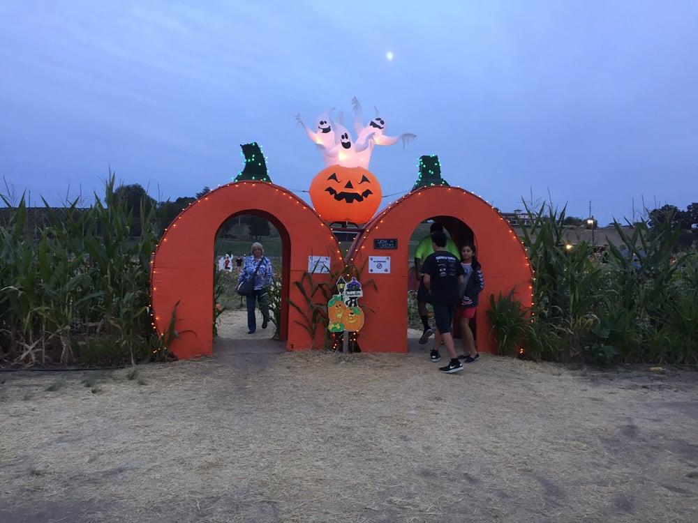 River K Pumpkin Farm