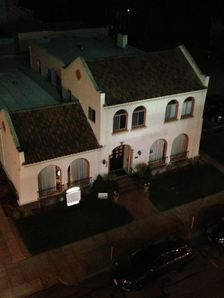 Alameda Funeral & Cremation Services: 1415 Oak St, Alameda, CA
