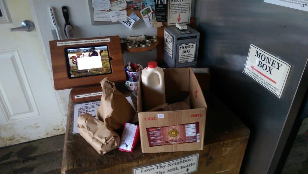 Upinngil Farm: 411 Main Rd, Gill, MA