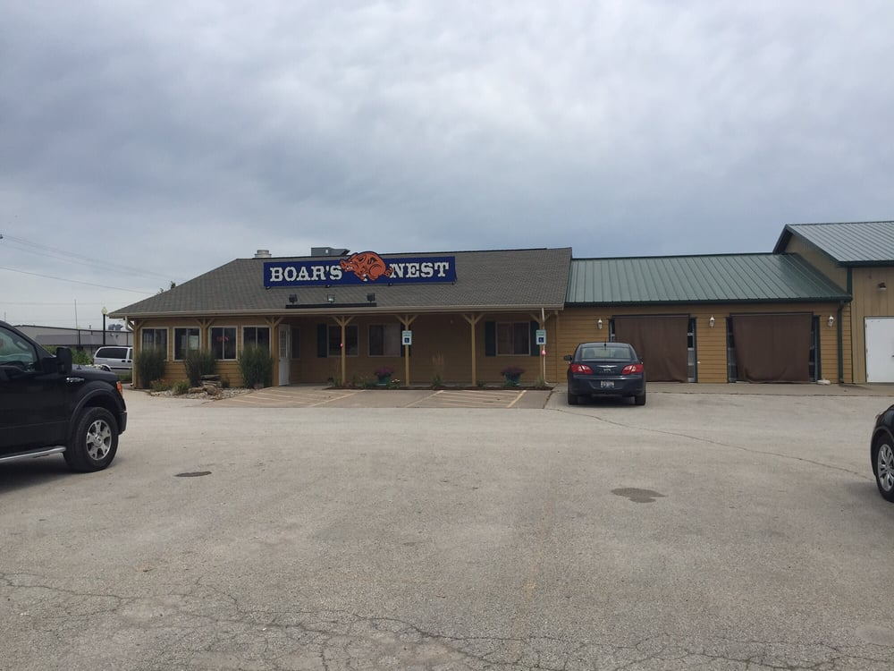 Boars Nest Bar & Grill: 1007 State Hwy 29, Athens, IL
