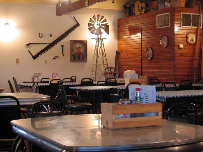 Windmill Restaurant & Trading: 210 Texola, Erick, OK