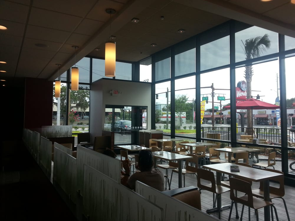 Wendy's: 930 6th St NW, Winter Haven, FL