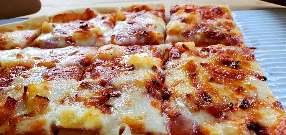 Linwood Pizza: 5221 E Viking Blvd, Wyoming, MN