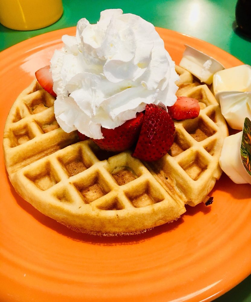 Strawberry Patch Cafe: 2718 Colby Ave, Everett, WA