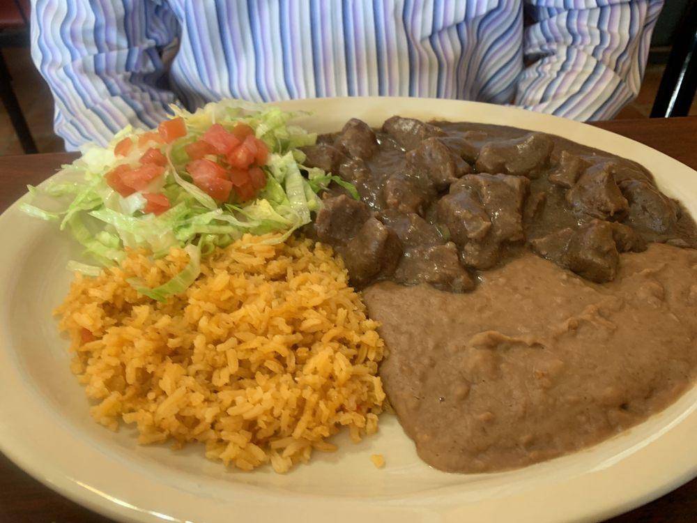 Lola's Mexican Food: 3470 E US Hwy 90, Seguin, TX