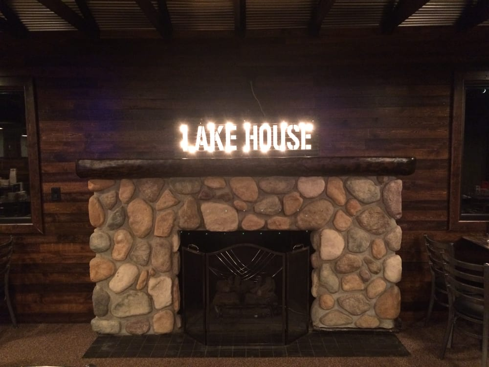 Lake House: 2700 N Main St, Mitchell, SD