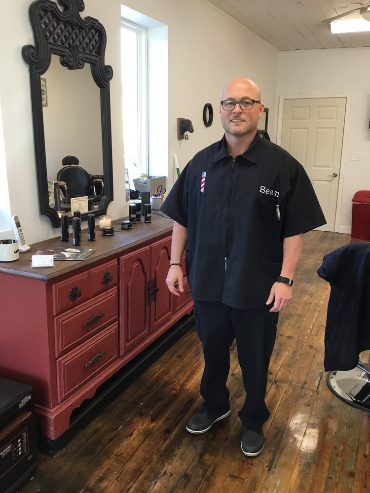 A2Z Barber Co And Style Studio: 45 N Main St, Granite Falls, NC