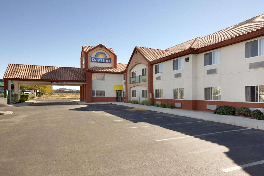 Days Inn Phoenix North 11 Photos Reviews Hotels 21636 26th Avenue Az Phone Number Yelp