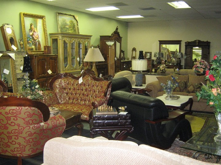 Consign it furniture closed home decor 11919 katy for Home decor 77007