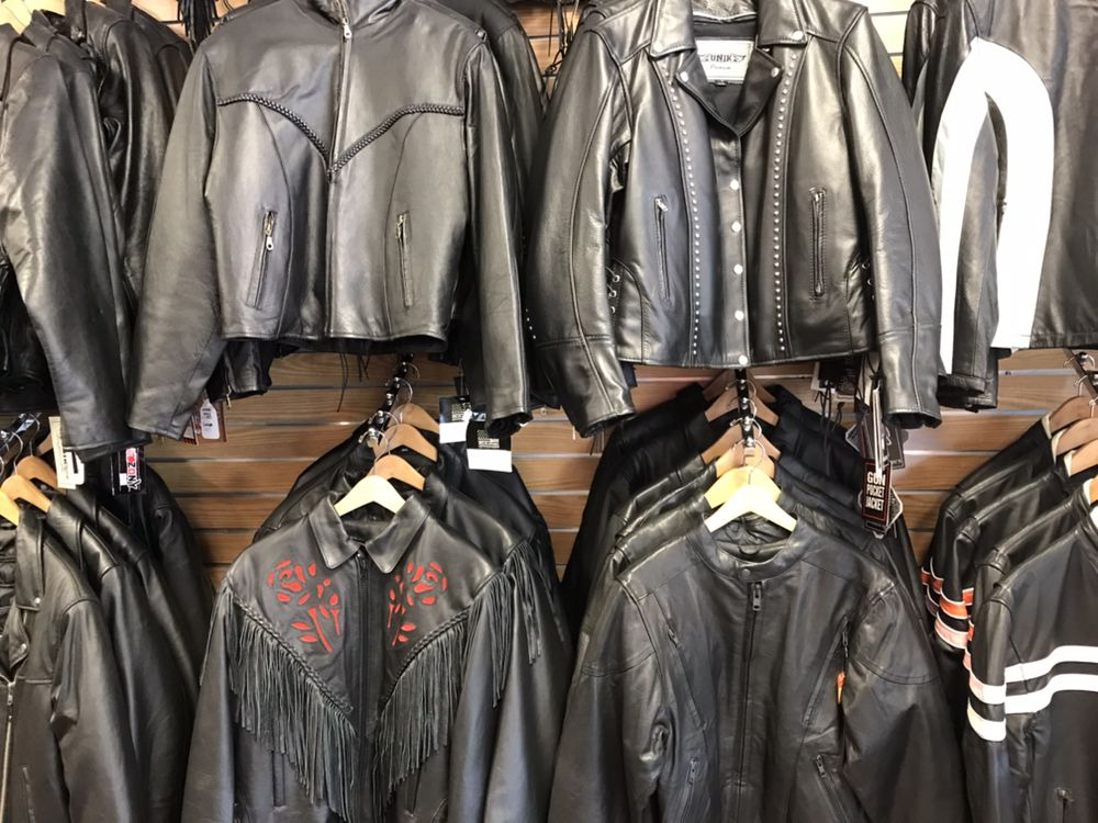 Grizzly's Leather: 68 Big Cove Rd, Cherokee, NC