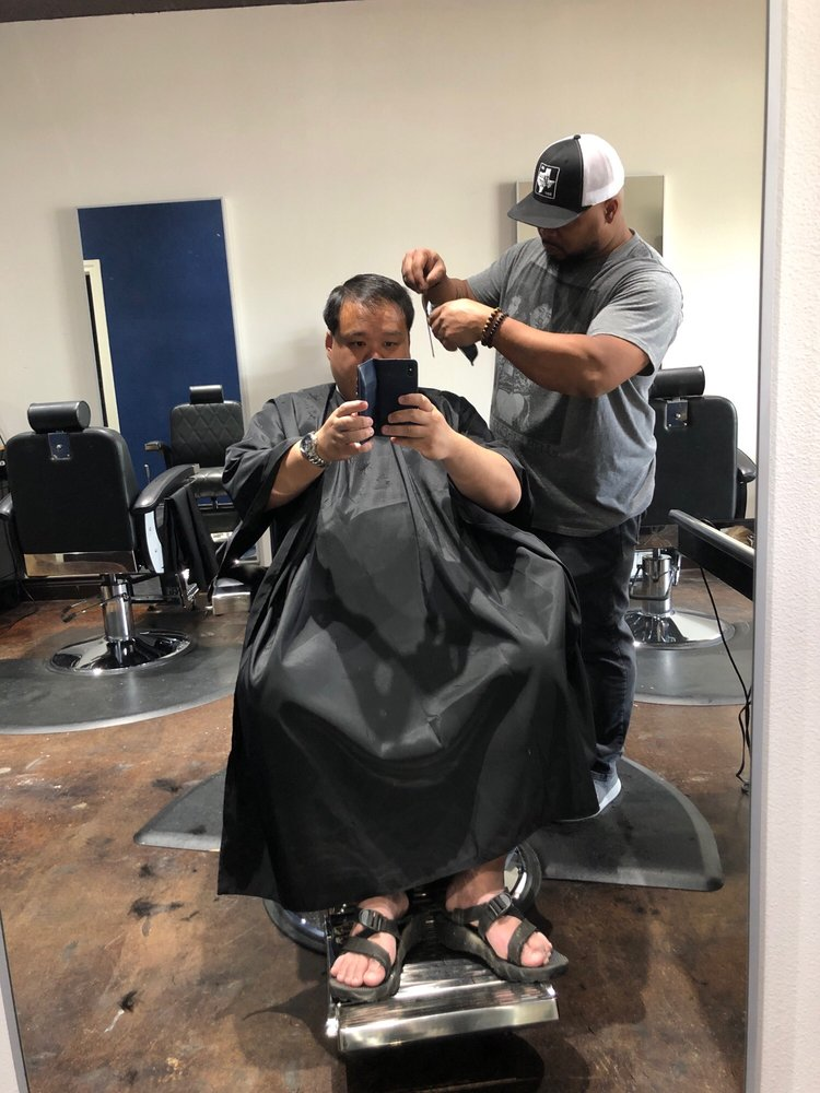 Ward's Barbershop: 3900 RR 620 S, Bee Cave, TX