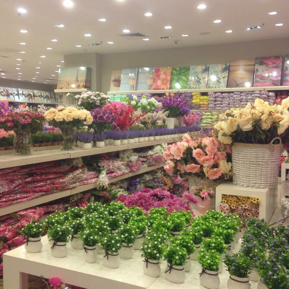 Pretty artificial flowers yelp photo of kaison furnishing petaling jaya selangor malaysia pretty artificial flowers mightylinksfo