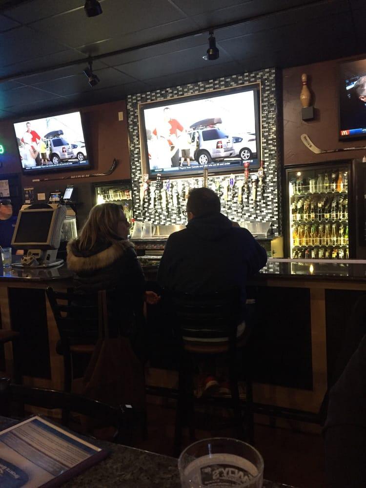 Blue Line Sports Bar & Grill South: 1004 Sunridge Dr, St. Cloud, MN