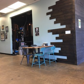 wasserhund brewing company 252 photos 130 reviews breweries 1805 laskin rd virginia. Black Bedroom Furniture Sets. Home Design Ideas
