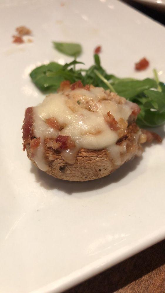 Tuscanos Pizzeria and Bistro