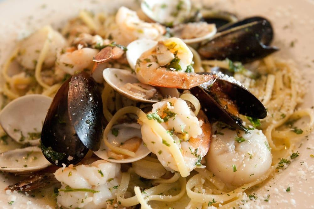 Mama's Italian Grill: 1044 Trexlertown Rd, Breinigsville, PA