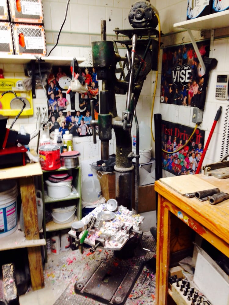 Mike's Pro Shop: 1273 W County Rd E, Arden Hills, MN