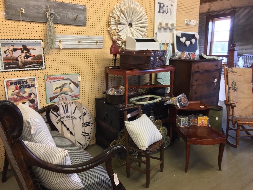 National Road Antique Mall: 39 W Main St, Cambridge City, IN