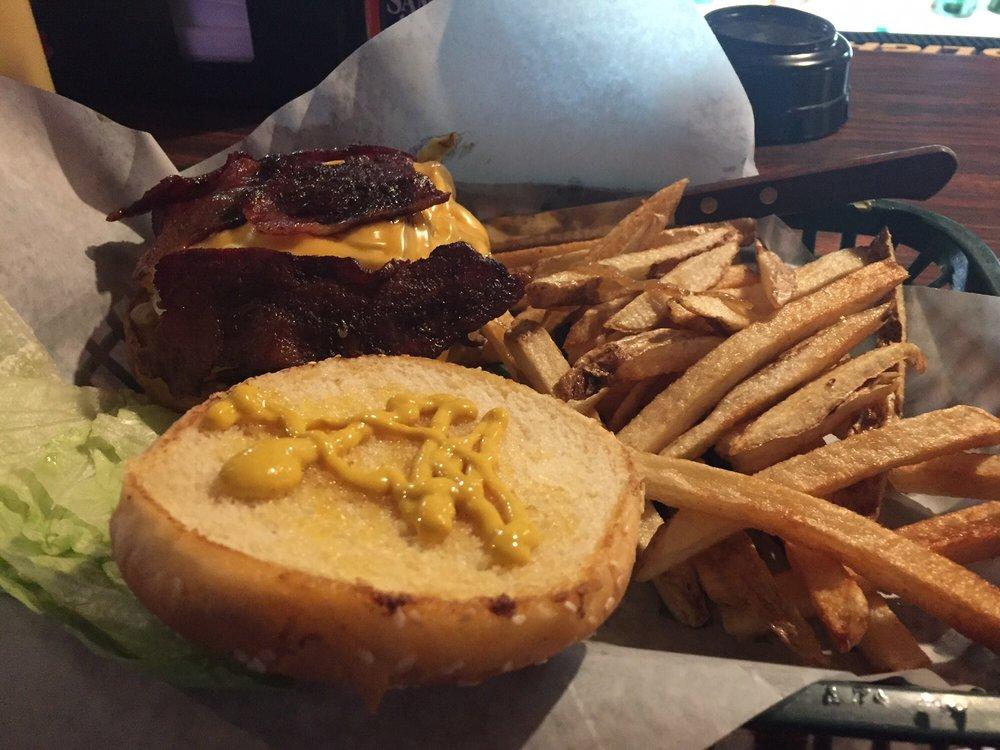 Rim Rock Bar & Grill: 4539 S 5th Ave, Pocatello, ID
