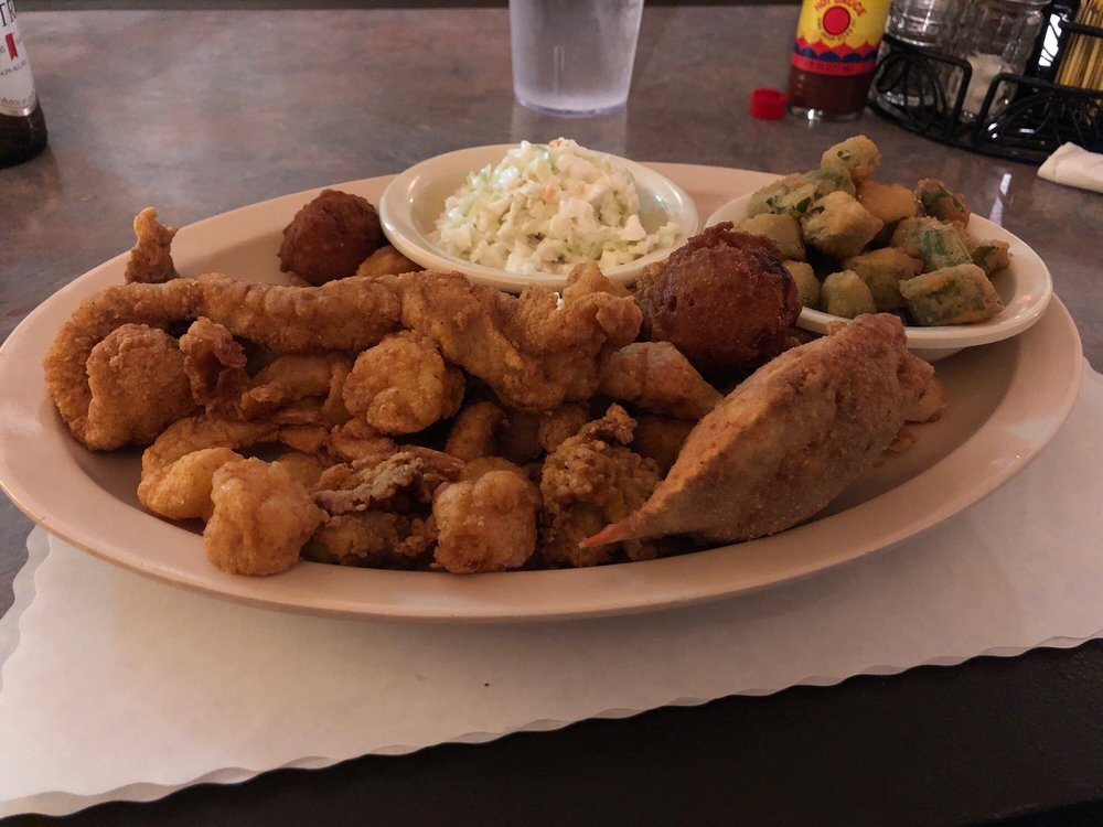 Pier 6 Seafood & Steak House: 853 S 6th St, MacClenny, FL