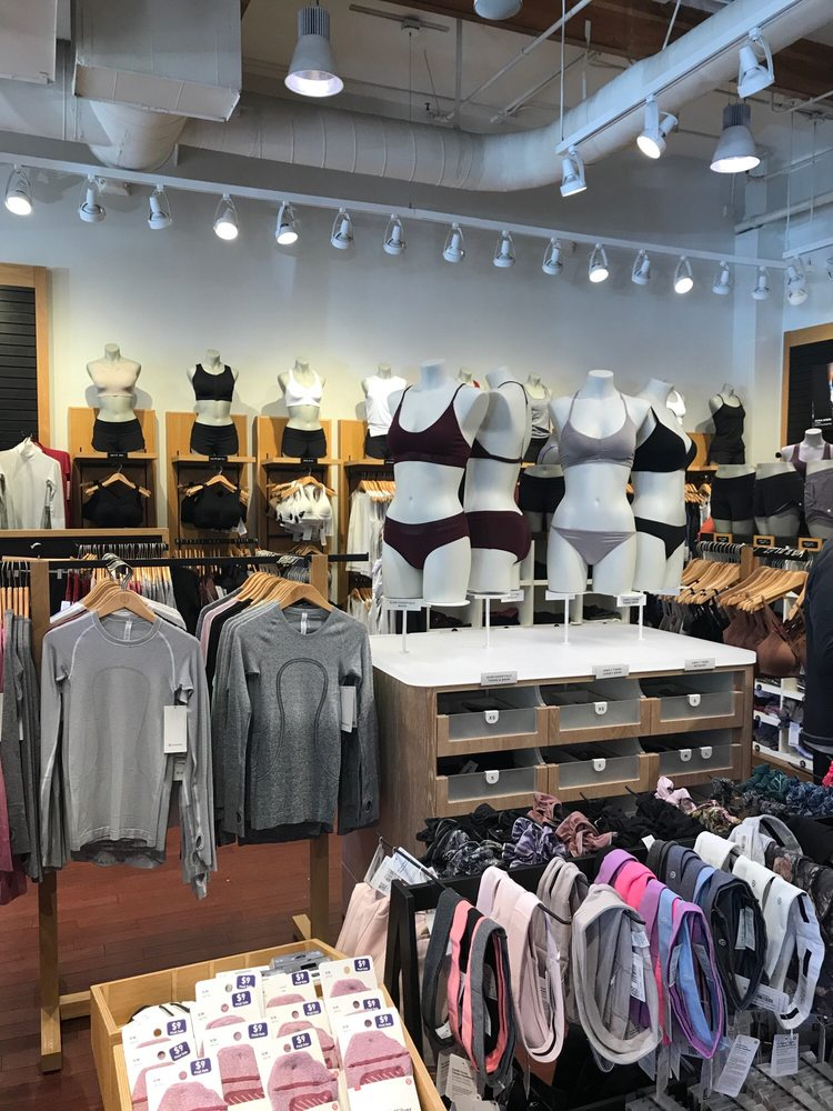 Lululemon Athletica: 100 Promenade Way, Thousand Oaks, CA