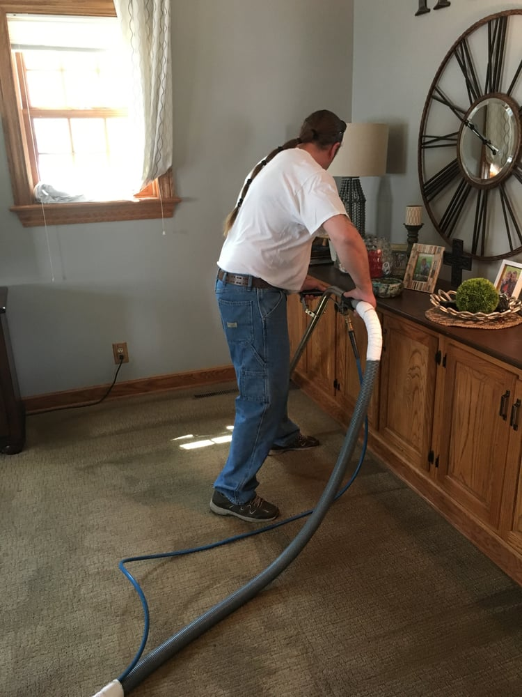 Oshkosh Carpet Cleaning: 2080 W 9th Ave, Oshkosh, WI